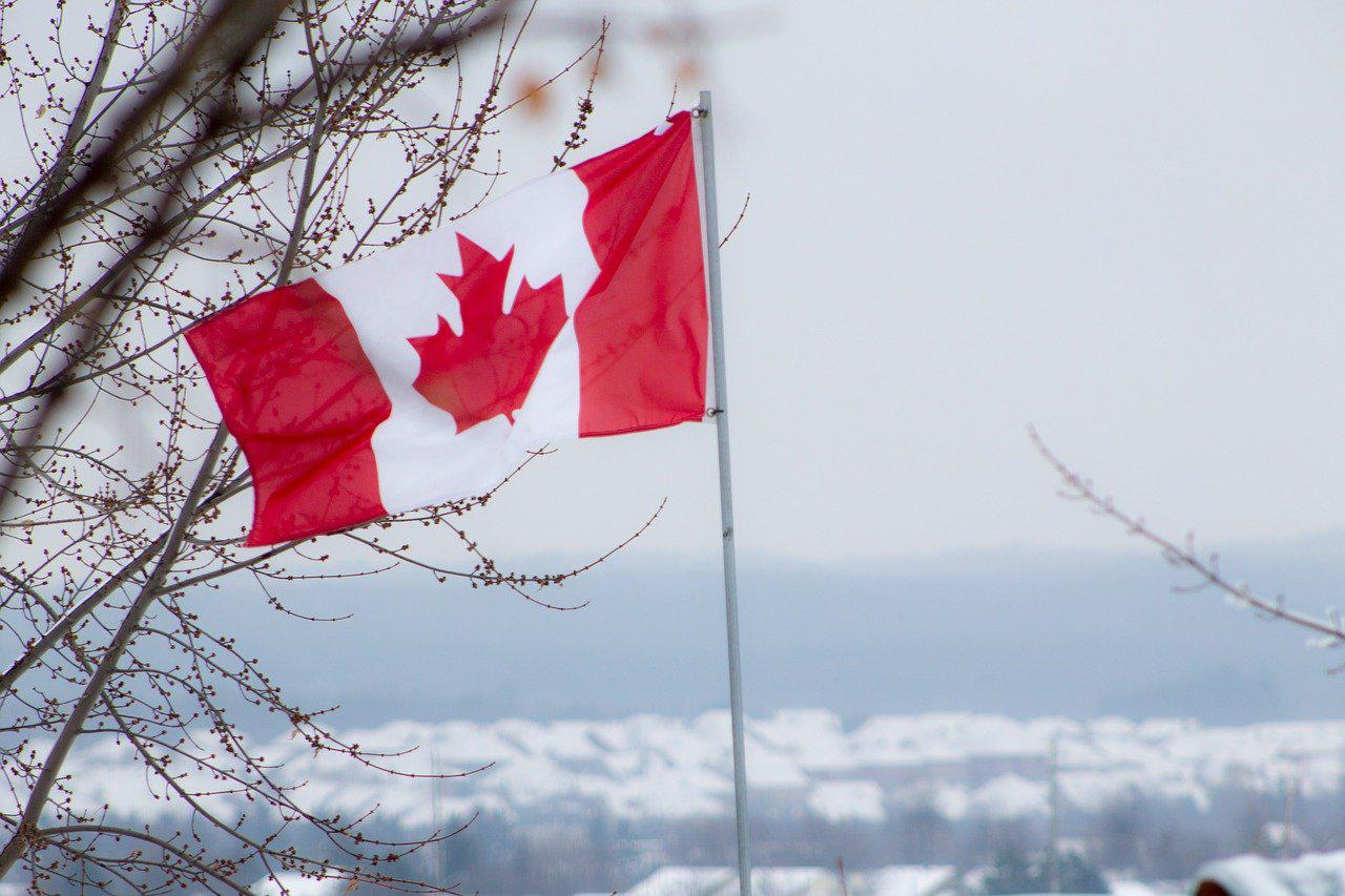Image of Canadian flag by Melissa Mahon from Pixabay