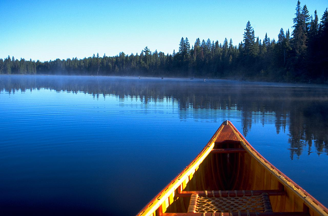 Image of canoe © Destination Ontario