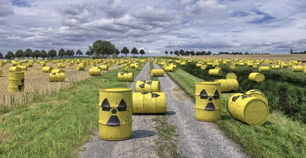Image of hazardous waste by Dirk Rabe from Pixabay