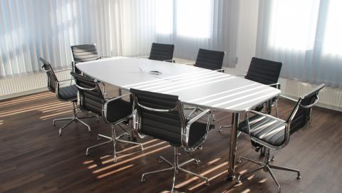 Image of board room from Pixabay